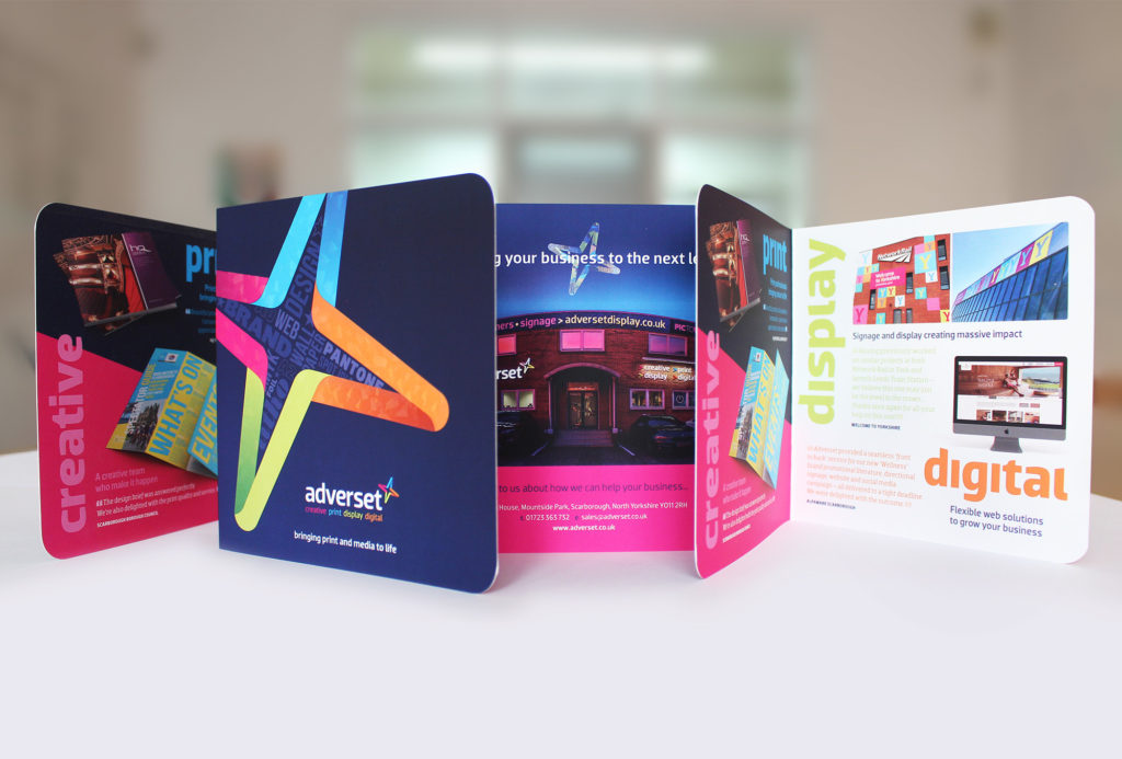Adverset brochure foiling